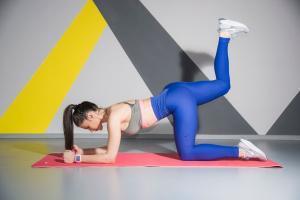 fitness-trening-vežbanje-trening kod kuće-ishrana-deifinicija-zdravo-vežbe za celo telo-vežbe za gluetus-vežbe za leto-vežbe za žene-iceberg salat centar-klub zdravih navika-janka budimir