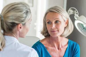 kada menopauza počinje, menopauza, hormoni, Iceberg Salat Centar, stručni saveti, saveti za ublažavanje menopauze, rana menopaiua, simptomi menopauze, kako odložiti menopauzu, klub zdravih navika