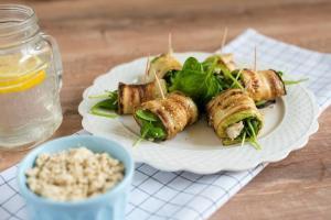 rolnice od grilovanih tikvica-rolnice-tikvice-tofu sir-zalogaji-zalogajcici-meze-predjelo-uzina-zdravo-posno-recept-jelo-Iceberg Salat Centar