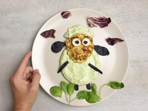 pileća pljeskavica, pljeskavica, pljeskavice, pileće pljeskavice, baby spanać, ručak, obrok, jelo, recept, Iceberg Salat Centar