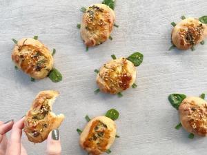 pužići sa sirom i spanaćem-pužići-pužići sa sirom-testo-pecivo-užina-doručak-recept-baby spanać-spanać-sir-Iceberg Salat Centar
