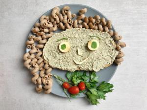 namaz sa šampinjonima-pečurke-namaz od šampinjona-namaz od pečuraka-namaz-užina-jelo-hleb-jelo-zdravo-ukusno-obrok-recept-Iceberg Salat Centar