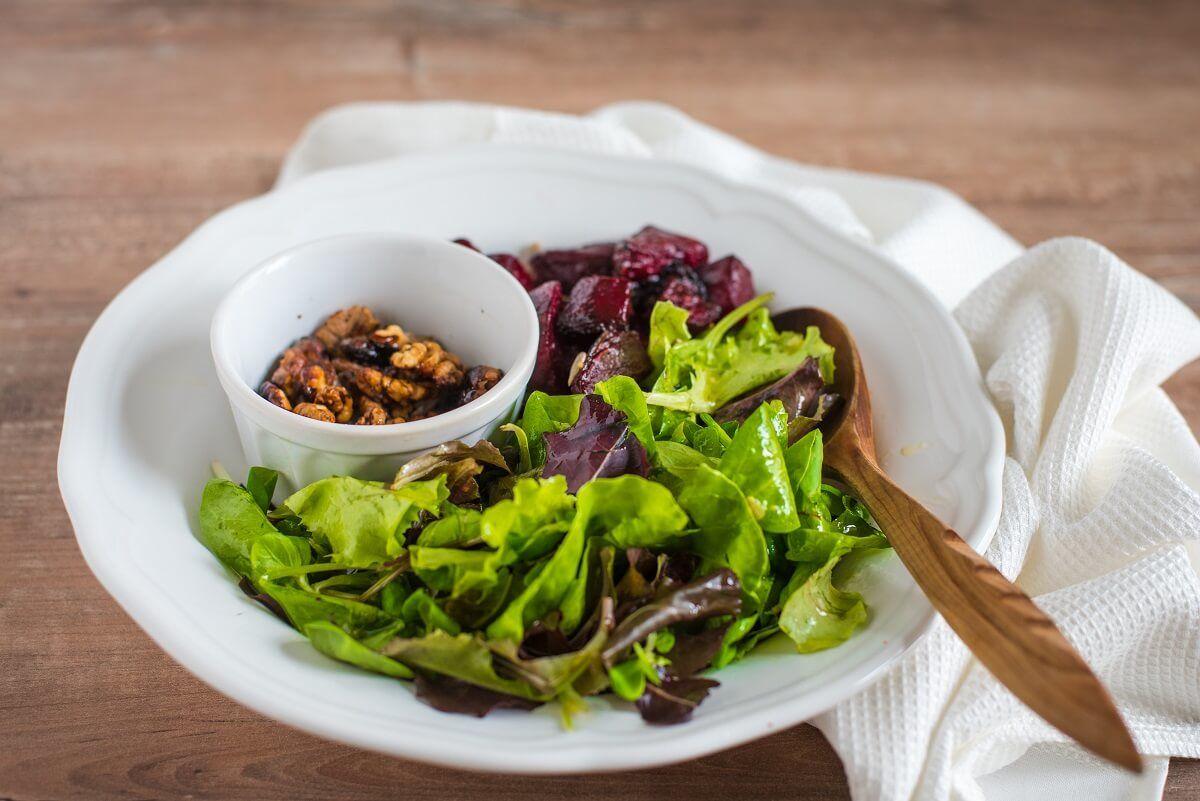 salata-salata sa cveklom-salata sa pečenom cveklom-salata sa orasima-zdravo-brzo-obrok-jelo-ručak-večera-Iceberg Salat Centar