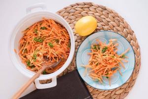 posna salata sa šargarepom-salata-kako postiti pravilno-Božićni post-postiti-veliki post-ishrana tokom posta-recpt-klub zdravih navika-iceberg salat centar