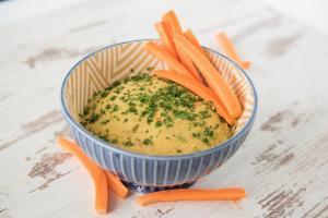humus od leblebije-recept za humus-humus recept-humus namaz-zdrav namaz-vegan-posno-Božićni post hrana-recept-užina-iceberg salat centar-klub zdravih navika