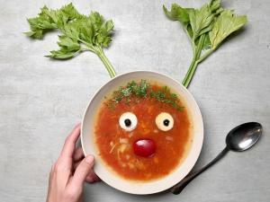paradajz čroba-čorba-supa-jelo-topla supa-topla čorba-predjelo-ručak-recept-iceberg salat centar-klub zdravih navika
