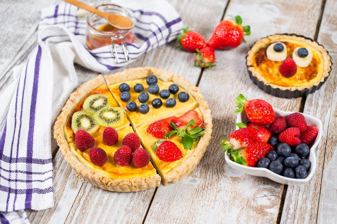tart-tart sa voćem-kolač-tart sa krem sirom i voćem-dan zaljuljenih-poslastica-slatkiš-dezert-užina-klub zdravih navika-iceberg salat centar-veseli zalogaji-zdravo-recept