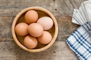jaja-koliko su jaja zdrava-stručni saveti-dr gifing-dr. gifing-jela sa jajima-sirova jaja-klub zdravih navika-iceberg salat centar-kajgana-jaje na oko-kuvano jaje-žumance-belance-zdravlje