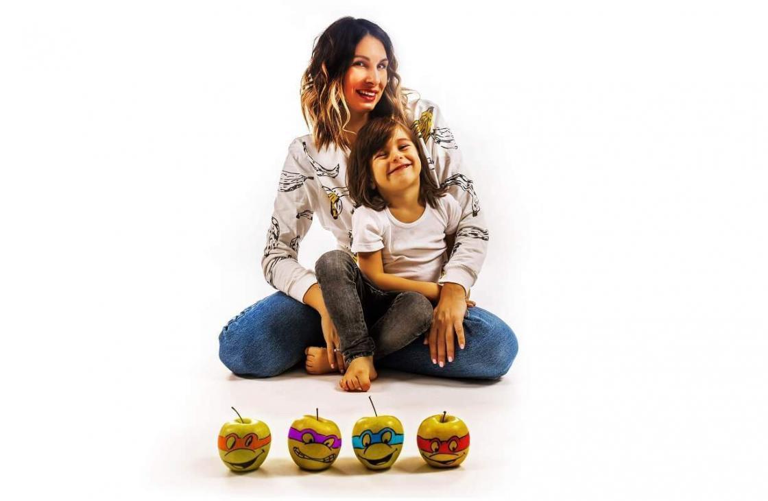 porodica-sreća-đurovski-porodica đurovski-igra-deca-mališani-igra kroz hranu-klub zdravih navika-iceberg salat centar-zdravlje-ishrana