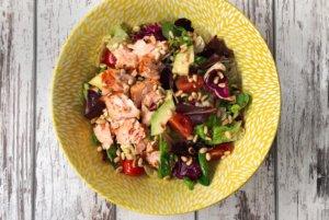 Losos salata sa balsamico dresingom