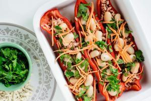 Punjene paprike pasuljem i tofu sirom