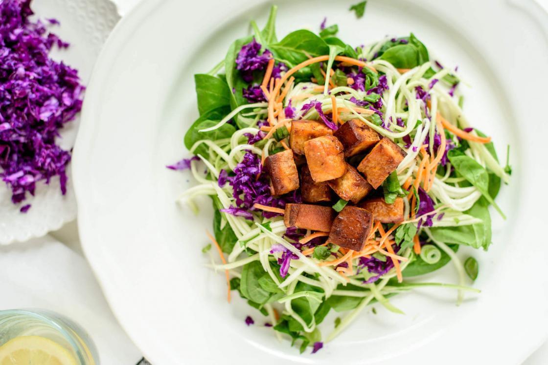 Salata sa tofu sirom