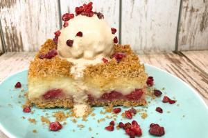 kolač sa malinama