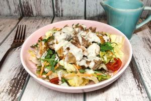 gorgonzola preliv, salata sa gorgonzolom