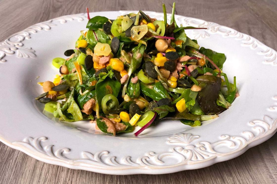 salata sa tunjevinom i leblebijama