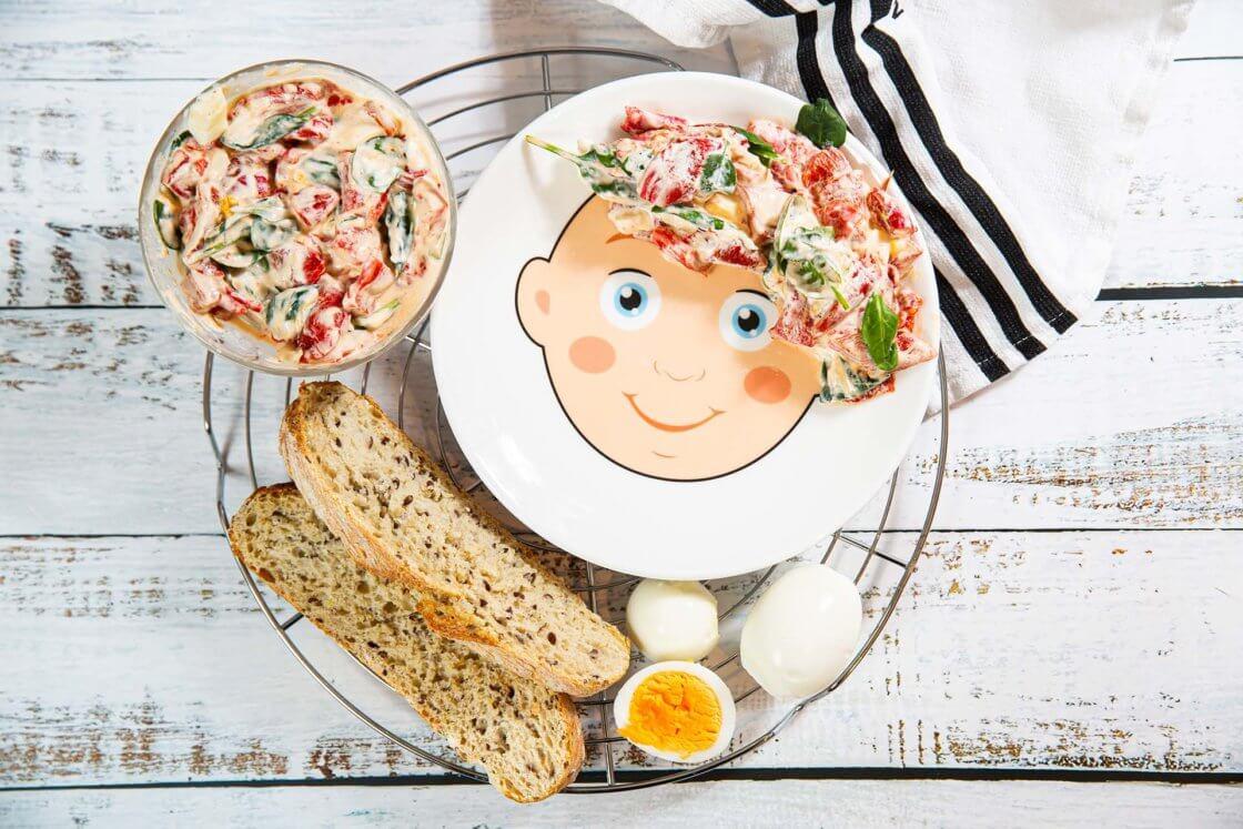 Salata sa pečenim paprikama i baby spanaćem
