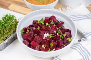 salata od cvekle, klub zdravih navika, kzn, salata od cvekle klub zdravih navika, salata od cvekle kzn, zdrava ishrana, gvodze, predjelo, iceberg salata centar