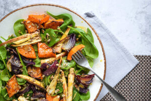 zimska salata, klub zdravih navika, kzn, zimska salata klub zdravih navika, zimska salata kzn, slatko slana salata, salata sa medom, salata sa paskanatom, slana salata, slatka salata, vitaminska salata, rucak, Iceberg Salat Centar