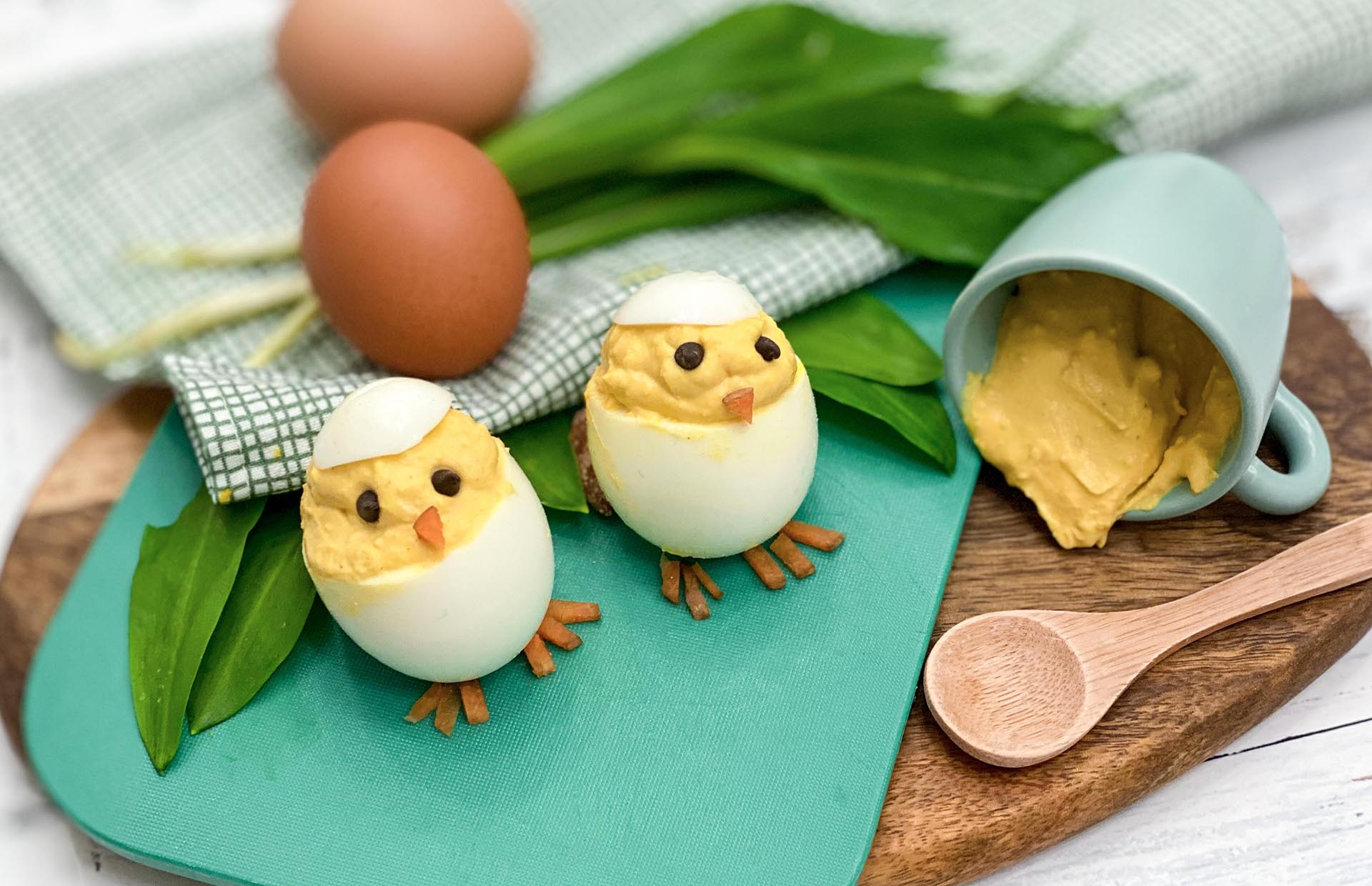 domaća pašteta, klub zdravih navika, kzn, domaća pašteta klub zdravih navika, domaća pašteta kzn, namaz od jaja, domaći namaz od jaja, namaz sa jajima, pašteta sa jajima, uskrsnja jaja, uskrsnji namaz, jaja punjena namazom od jaja, uskrsnji motivi, pile od jaja, slanoa, jaja, sos od jaja, dorucak, predjelo, Iceberg Salat Centar