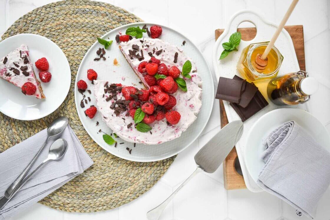 cheesecake sa malinama, klub zdravih navika, kzn, cheesecake klub zdravih navika, cheesecake kzn, čizkejk sa malinama, čizkejk od malina, sirovi cheesecake, veganski cheesecake, zdravi cheesecake, zdravi recepti, desert, slatko, poslastica, Iceberg Salat Centar
