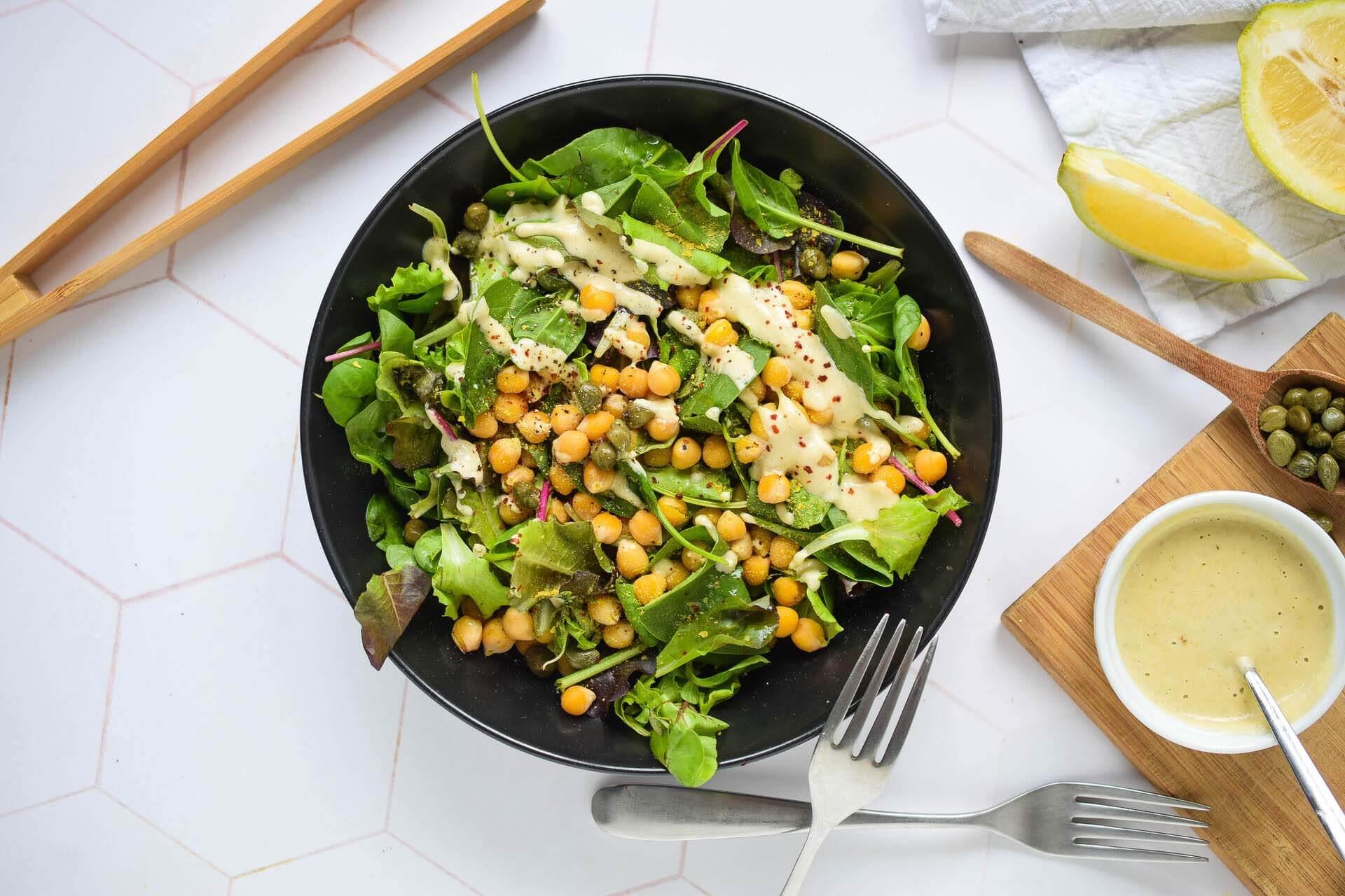 cezar salata, klub zdravih navika, kzn, cezar salata klub zdravih navika, cezar salata kzn, cezar salata sa leblebijama, cezar salata od leblebija, salata od leblebija, hranljiva salata, zdravi recepti, slano, obrok salata, rucak, Iceberg Salat Centar